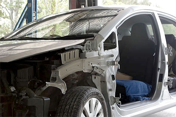 Minarelli smash repairs can fix all makes and models of cars